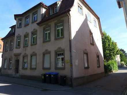 Für Mieter provisionsfrei: Renovierte, großzügig geschnittene 4-Zi-Wohnung in zentrumsnaher Lage