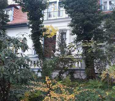 Nahe Schlachtensee/Krumme Lanke, 145 m2 Gesamtfläche in wunderschöner Villa