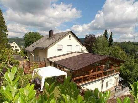 Reserviert## Niederschelden, großzügiges, modernisiertes Anwesen mit hohem Wohnwert in Waldrandlage