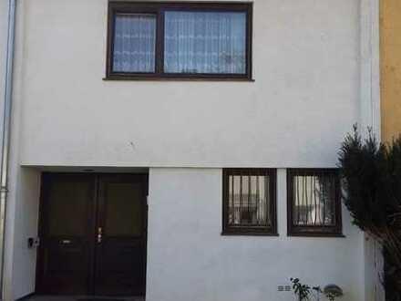 Schönes Haus mit vier Zimmern in Karlsruhe, Waldstadt