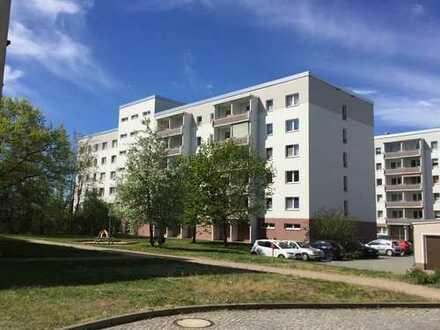 Helle 2-Raum-Wohnung mit Balkon zu vermieten