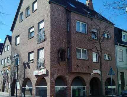 Preiswerte, geräumige, gepflegte 3-Zimmer-Wohnung zur Miete in Baesweiler