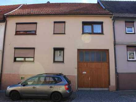 Schönes Haus mit sieben Zimmern in Gotha (Kreis), Hohenkirchen