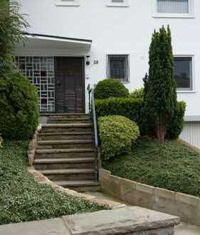 Ruhige, gepflegte 3-Zi-Wohnung mit Balkon und Garage in bevorzugtem Wohngebiet im Hochschulviertel