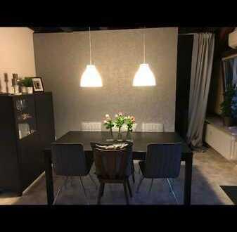Sonnige Atelierwohnung mit Balkon und Einbauküche in Karlsbad-La.