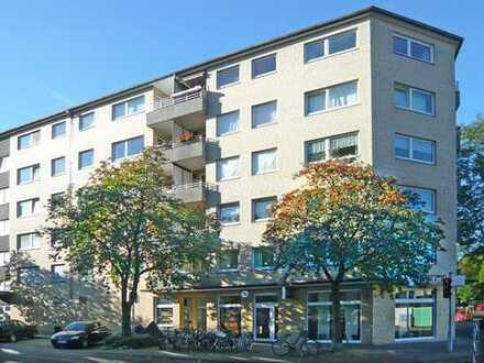 Düsseldorf-Bilk, großzügige 1-Raum-Wohnung mit Westloggia und Parkett.