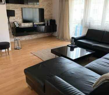 Stilvolle, gepflegte 3-Zimmer-Wohnung mit Balkon, TG und EBK in Zentrumsnähe