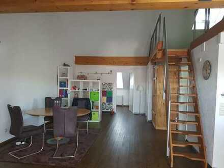 Ideal für Pendler: Möblierte 2,5-Zimmer-Dachgeschosswohnung in Rheinfelden