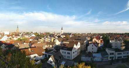 Helle 2-Zimmer-Wohnung mit großer Dachterrasse und Tiefgaragenstellplatz in LU-Friesenheim