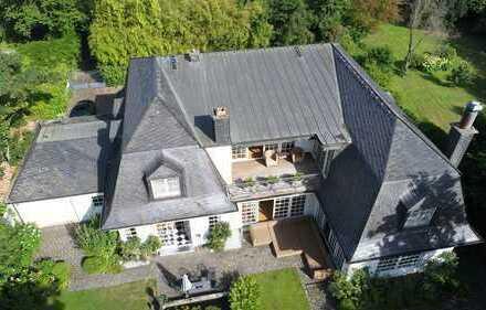 Big Picture!! Bildschöne Architekten-Villa in diskreter Bestlage. Glück kann man kaufen ...