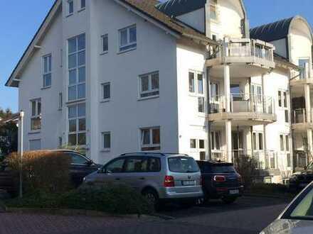 Exklusive, gepflegte 4-Zimmer-Maisonette-Wohnung mit 2 Balkonen und EBK in Langen
