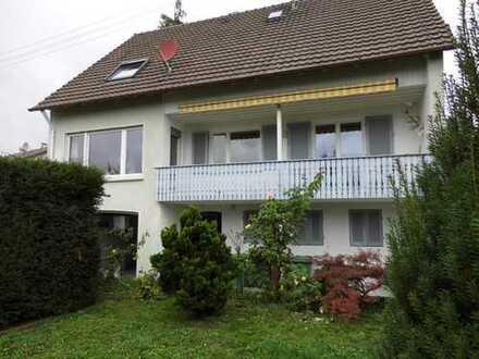 Wunderschönes Einfamilienhaus mit schönem Garten und Balkon