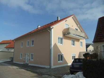 Helle 4-Zimmer-DG-Wohnung mit Balkon und EBK in Kösching