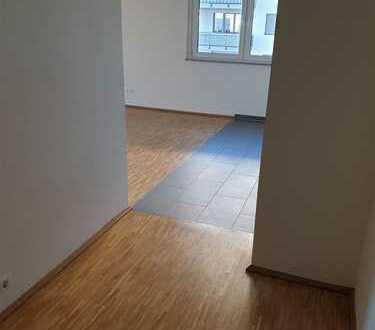 Schöne 2 Zimmer Wohnung am Flugfeld