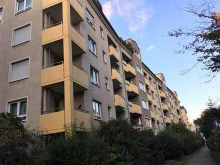 Vermietete 2-Zimmer-Dachgeschosswohnung - zentral gelegen