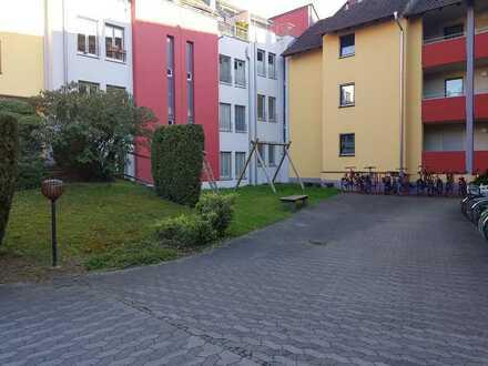 Ruhig gelegene, hochwertig sanierte Gartenwohnung im Zentrum von Erlangen !