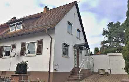 Modernisierte Doppelhaushälfte in Top-Lage!