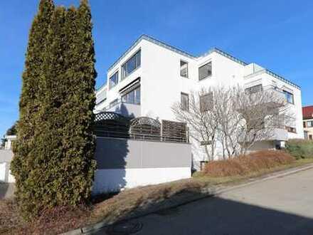 2,5-Zimmer-Obergeschoss-Wohnung mit Garage und herrlichem Weitblick