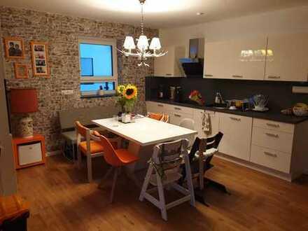 Neubau: Zentral gelegene 3-Zimmer-Wohnung mit Balkon