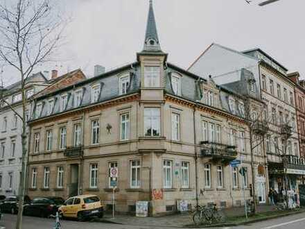 Stilvolle 3-Zimmer-Hochparterre-Wohnung im Baudenkmal in der Weststadt