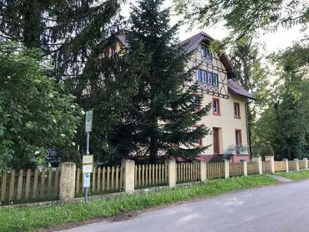 3 Zimmer DG-Wohnung mit Einbauküche in Kirchzarten-Neuhäuser