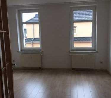 Schöne, neuwertige 2-Zimmer-DG-Wohnung mit gehobener Innenausstattung in Zwickau (Kreis)