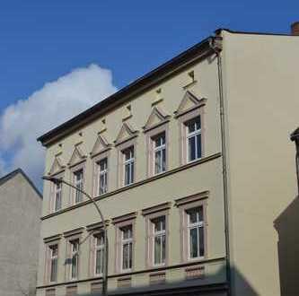 Süße 2 Zimmerwohnung im Dachgeschoss - mitten in der Stadt!