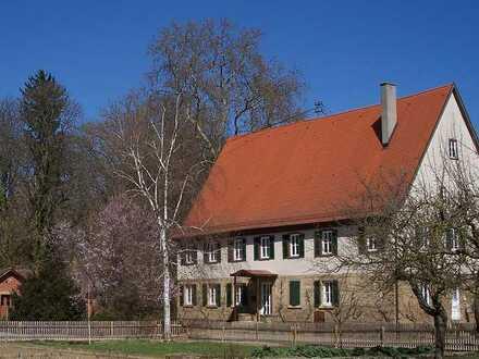 Repräsentative Doppelhaushälfte in denkmalgeschütztem Gutshof in Heilbronn
