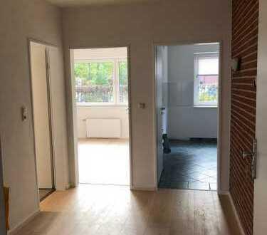 renovierte 2 Zimmer- Erdgeschosswohnung