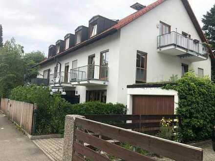 Attraktive 4 Zimmer Wohnung in bester Wohnlage mit 2 Balkone und Garage