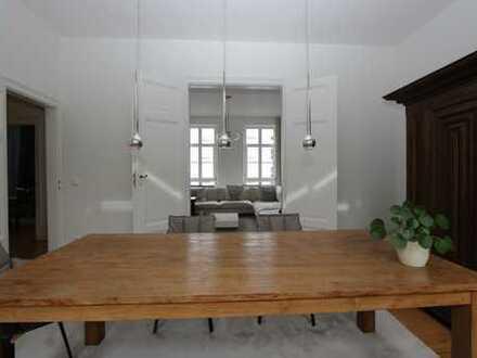 Charmante 4-Zimmer-Altbau mit Balkon