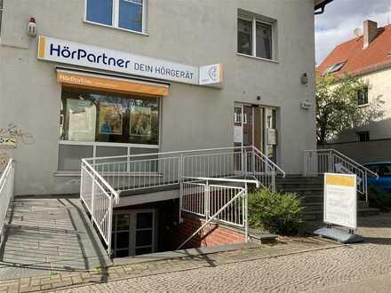 Büro-/Praxisfläche im Souterrain eines kleinen Mehrfamilien-/Geschäftshauses