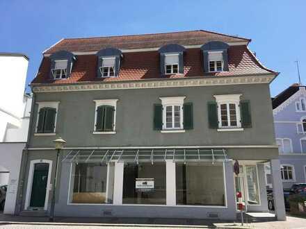 Denkmalgeschütztes Wohn- und Geschäftshaus im Herzen von Offenburg!