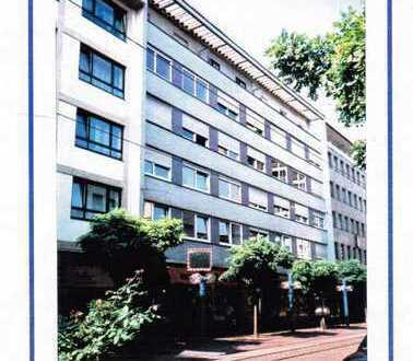 Neu renovierte 2-Zimmer-Wohnung mit EBK und Schlafzimmer im Zentrum von Ludwigshafen
