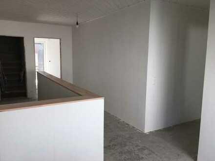 Erstbezug nach Sanierung: schöne 5-Zimmer-Wohnung mit separaten Eingang und Balkon in Marl-Sinsen