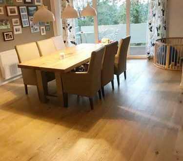 Vollständig renovierte 6-Zimmer-Wohnung mit Balkon und Einbauküche in Immenstaad