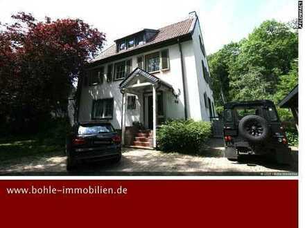 Ein Traumhaus für die große Familie, top Lage und idyllischem Grundstück in Sackgassenlage!!!