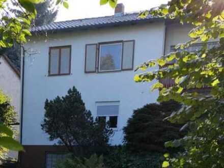 Haus mit wunderschönem Grundstück in bester Lage - von Privat!