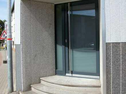 Hochwertige und Neuwertige Bürofläche in werbewirksamer Lage von Moers EG und 1.OG