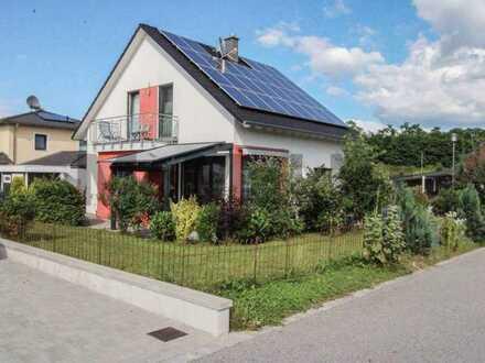Ankommen und Wohlfühlen: Gepflegter Familientraum mit PV-Anlage und Sonnengarten