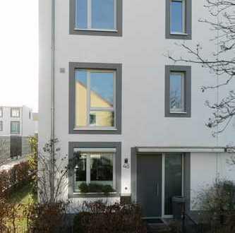 Schöne DHH mit sechs Zimmern in Hannover - Bemerode/Kronsberg (ohne Makler!)