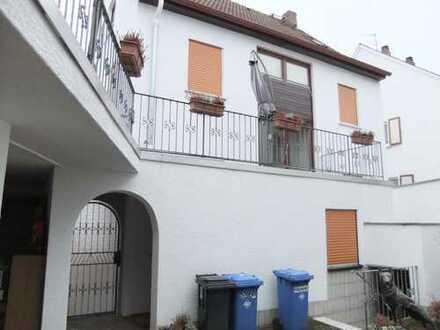 Schönes Haus mit sechs hellen Zimmern in 64354 Reinh-Zeilhard