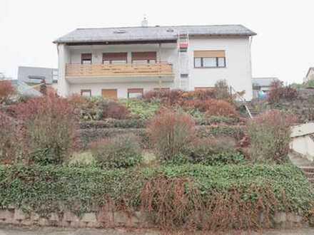 Freistehende 2-bis 3 Familienhaus mit 700 m² Grundstück in Aarbergen