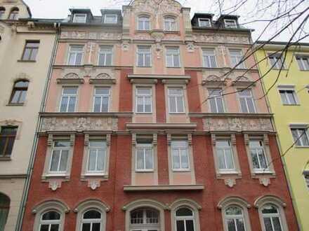 Schöne 3-Zimmer-Wohnung mit Balkon und EBK im 2.OG - Pestalozzistr. 36 in Plauen