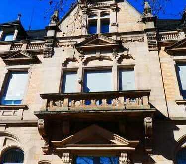 Stilvolle Maisonette-Wohnung in ehemaligem Bankgebäude