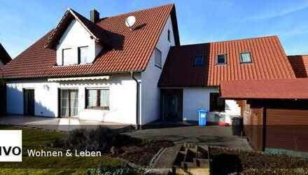 Zweifamilienhaus/Mehrgenerationenhaus mit großen Garten