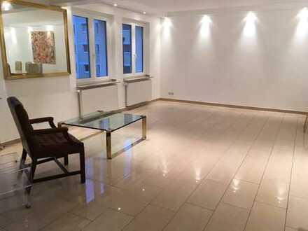 Vollständig renovierte 3-Zimmer-Wohnung, 2 Balkone und direkte Nähe zum Volksgarten, Köln-Südstadt