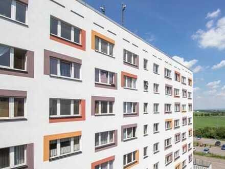 neu sanierte 2,5-Zimmerwohnungen mit Einbauküche, Erstbezug nach Sanierung!
