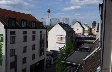 D-Unterbilk- 2-Zimmer Dachgeschoss -Aufzug- Balkon