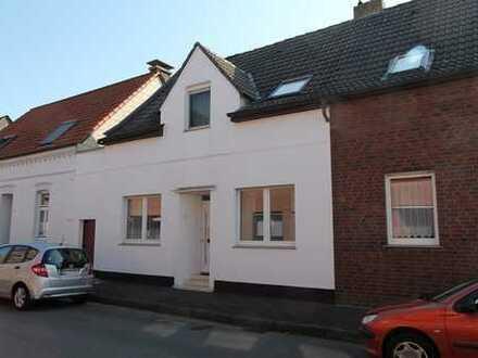 Sanierte Doppelhaushälfte mit Anbau & Garten in Ost-/Südlage